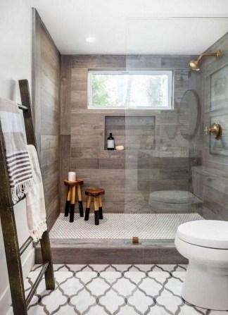 Stylish Small Master Bathroom Remodel Design Ideas 07