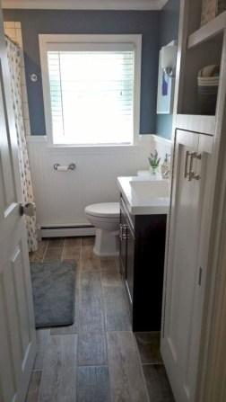Stylish Small Master Bathroom Remodel Design Ideas 08