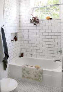 Stylish Small Master Bathroom Remodel Design Ideas 13