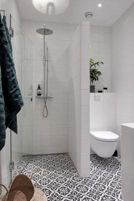 Stylish Small Master Bathroom Remodel Design Ideas 33