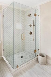 Stylish Small Master Bathroom Remodel Design Ideas 39