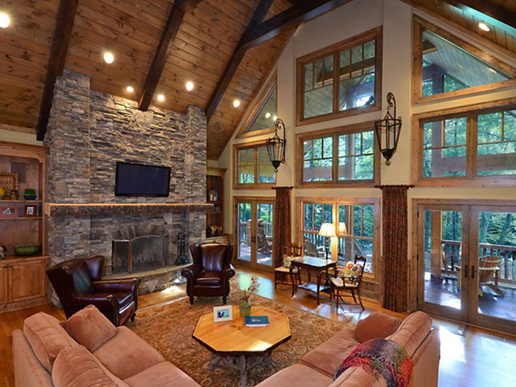 Amazing Lodge Living Room Decorating Ideas 41