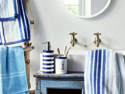Beautiful Bathroom Decoration In A Coastal Style Decor 06