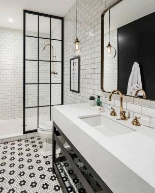 Beautiful Classic Bathroom Design Ideas 06
