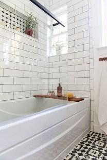 Beautiful Classic Bathroom Design Ideas 21