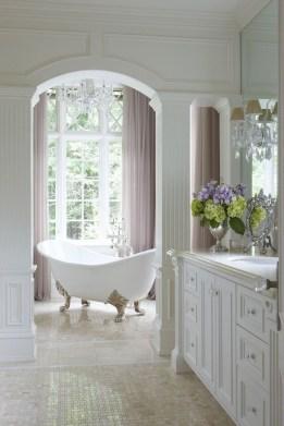 Beautiful Classic Bathroom Design Ideas 24