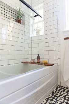 Beautiful Classic Bathroom Design Ideas 27