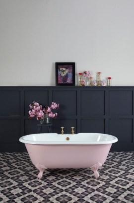 Beautiful Classic Bathroom Design Ideas 32