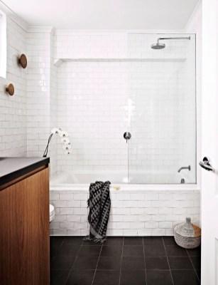 Beautiful Classic Bathroom Design Ideas 41