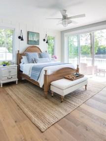 Comfortable Lake Bedroom Design Ideas 21
