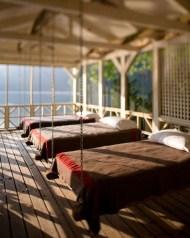 Comfortable Lake Bedroom Design Ideas 29