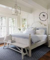 Comfortable Lake Bedroom Design Ideas 30