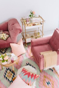Cute Pink Lving Room Design Ideas 11