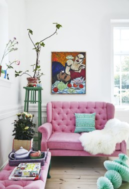 Cute Pink Lving Room Design Ideas 29