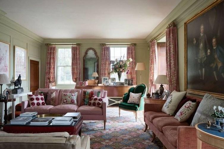 Cute Pink Lving Room Design Ideas 35