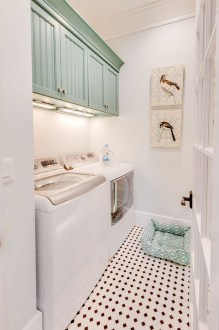 Efficient Small Laundry Room Design Ideas 28
