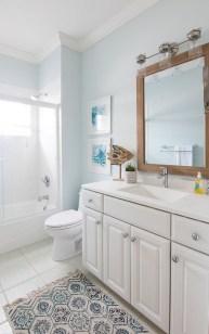 Fabulous Coastal Decor Ideas For Bathroom 02