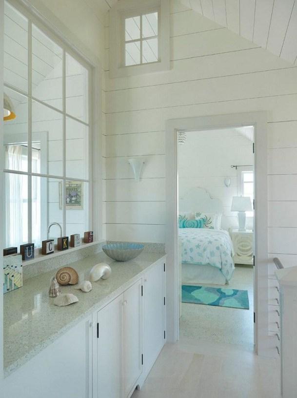 Fabulous Coastal Decor Ideas For Bathroom 37