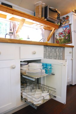 Genius Space Saving Hacks For Your Tiny House 33