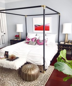 Glamorous Canopy Beds Ideas For Romantic Bedroom 25