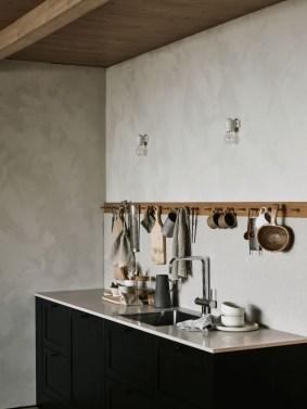 Gorgeous Black Kitchen Design Ideas You Have To Know 07