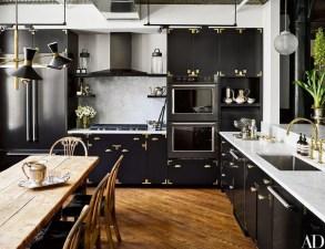 Gorgeous Black Kitchen Design Ideas You Have To Know 19