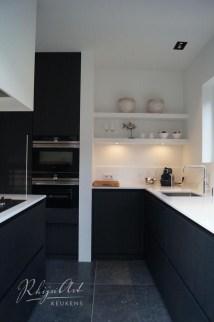 Gorgeous Black Kitchen Design Ideas You Have To Know 31