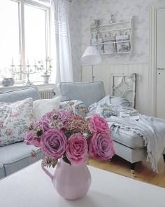 Lovely Shabby Chic Living Room Design Ideas 31