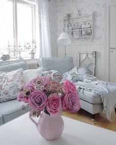 Lovely Shabby Chic Living Room Design Ideas 31