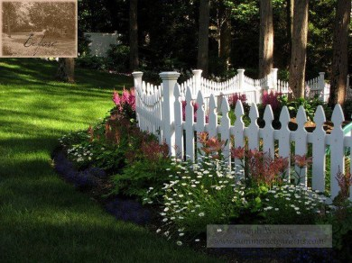 Relaxing Front Yard Fence Remodel Ideas For Your Home 15