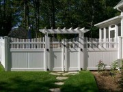 Relaxing Front Yard Fence Remodel Ideas For Your Home 34