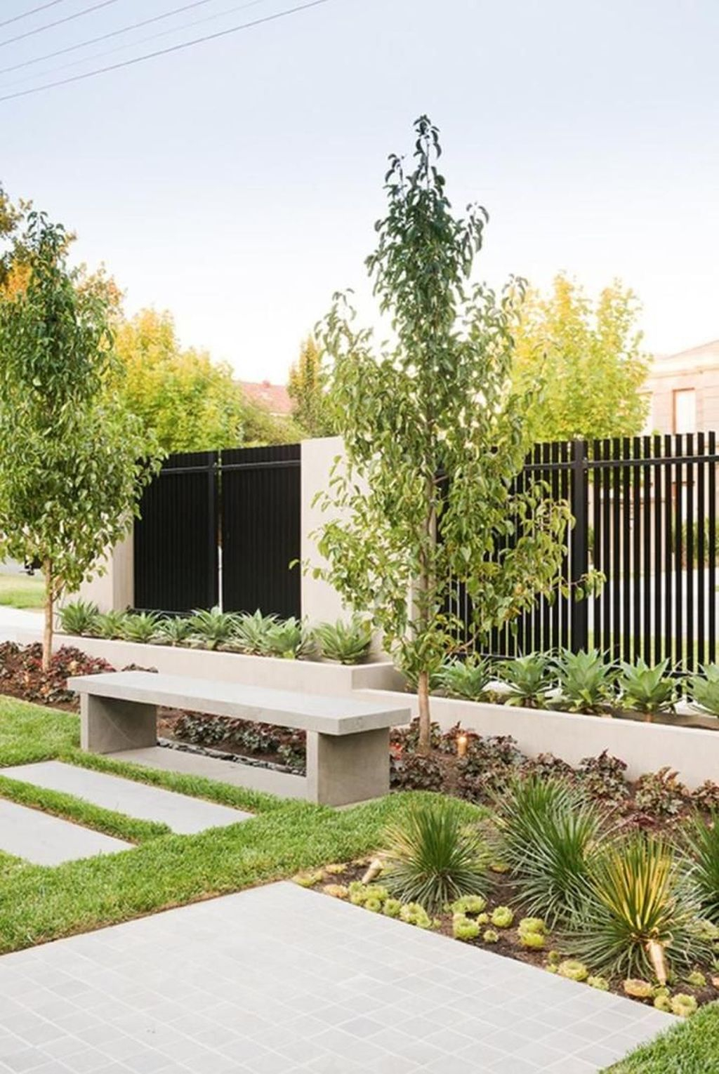 36 Relaxing Front Yard Fence Remodel Ideas For Your Home ... on Front Yard Renovation Ideas id=48802