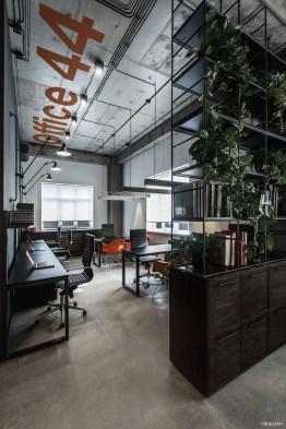 Stunning And Modern Office Design Ideas 08