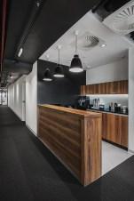 Stunning And Modern Office Design Ideas 14