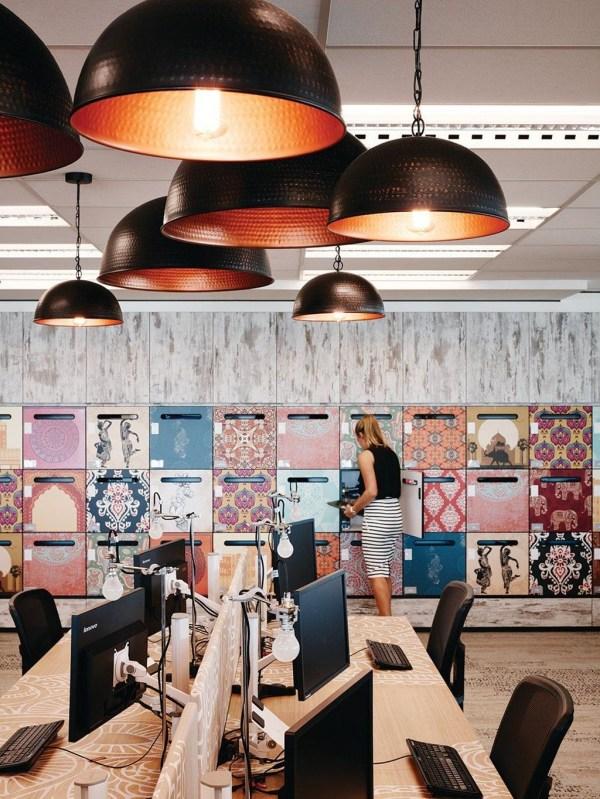 Stunning And Modern Office Design Ideas 25