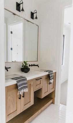 Stunning Rustic Farmhouse Bathroom Design Ideas 08