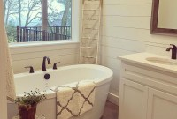 Stunning Rustic Farmhouse Bathroom Design Ideas 14