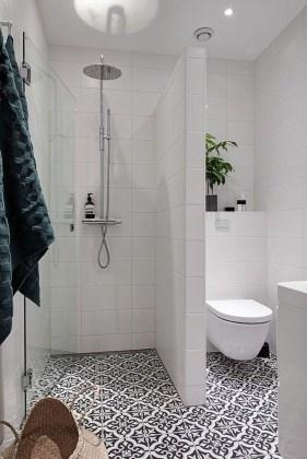 Stunning Rustic Farmhouse Bathroom Design Ideas 35