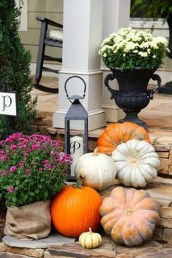 Awesome Fall Entryway Decoration Ideas That Will Make Your Neighbors Insanely Jealous 10