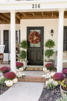 Awesome Fall Entryway Decoration Ideas That Will Make Your Neighbors Insanely Jealous 15