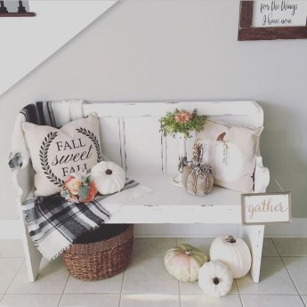 Awesome Fall Entryway Decoration Ideas That Will Make Your Neighbors Insanely Jealous 18