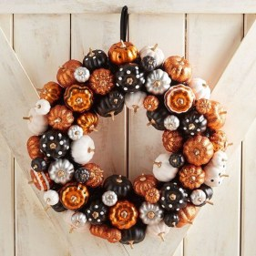 Awesome Fall Entryway Decoration Ideas That Will Make Your Neighbors Insanely Jealous 28