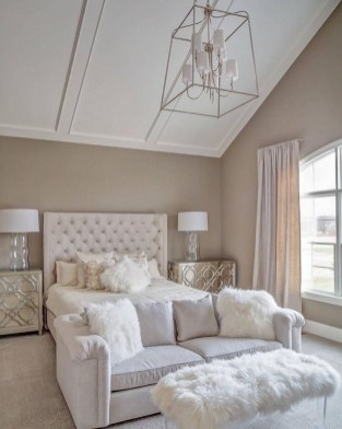 Beautiful White Bedroom Decoration That Will Inspire You 08