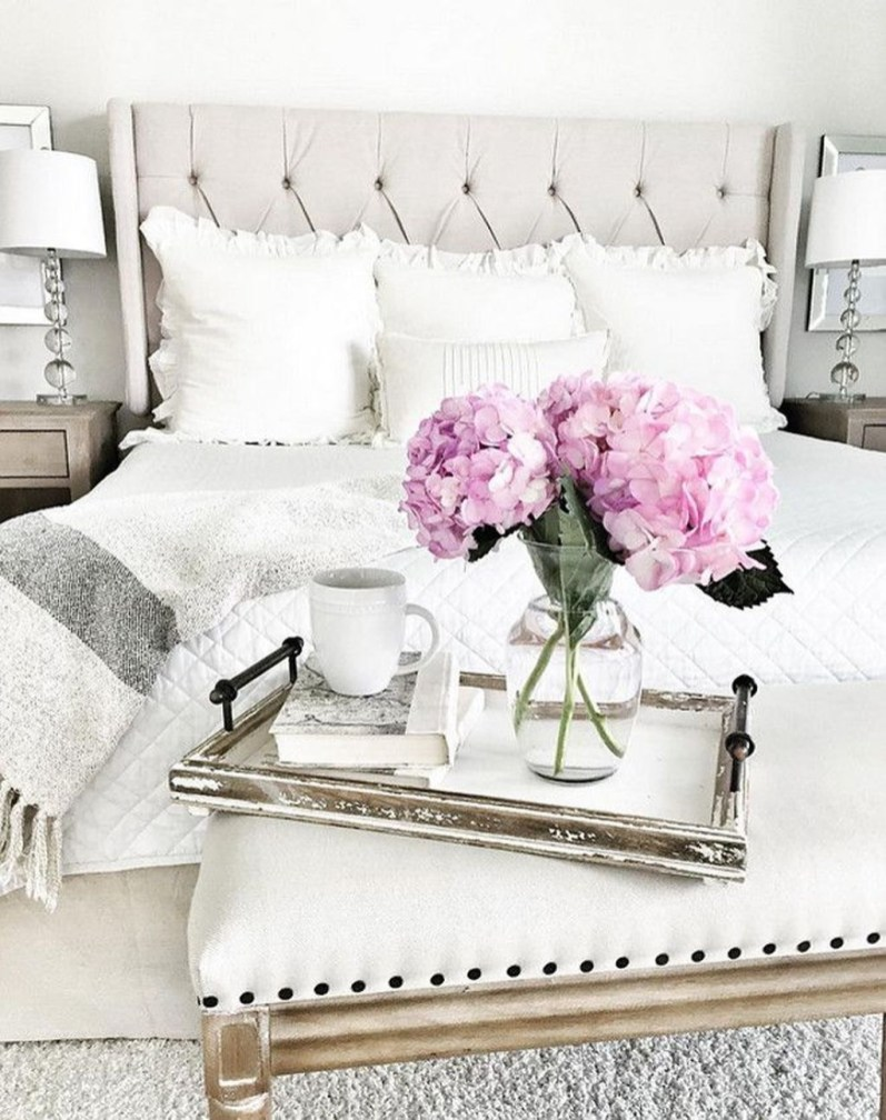 Beautiful White Bedroom Decoration That Will Inspire You 13