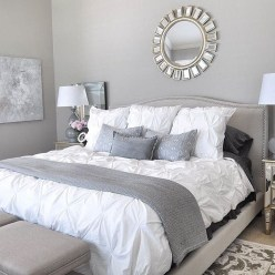 Beautiful White Bedroom Decoration That Will Inspire You 17