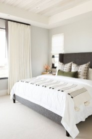 Beautiful White Bedroom Decoration That Will Inspire You 24