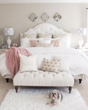 Beautiful White Bedroom Decoration That Will Inspire You 30