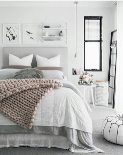 Beautiful White Bedroom Decoration That Will Inspire You 33