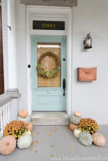 Easy Fall Porch Decoration Ideas To Make Unforgettable Moments 03