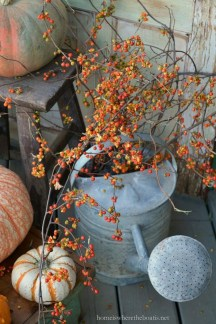 Easy Fall Porch Decoration Ideas To Make Unforgettable Moments 22